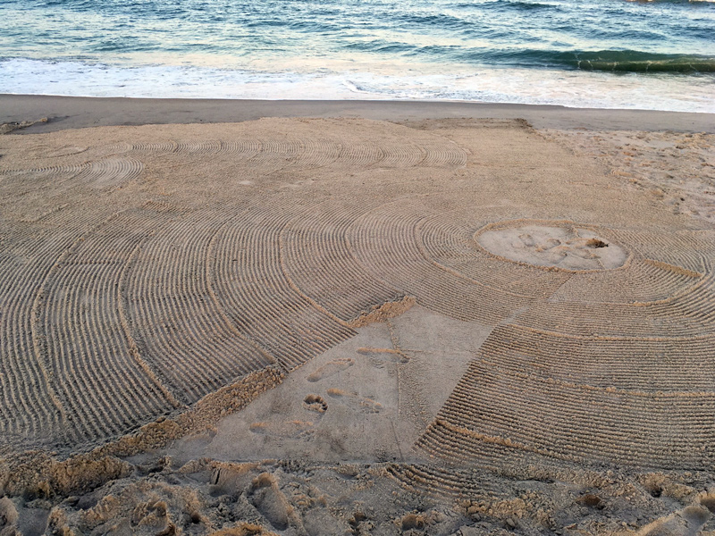 Heather Gordon sand design for performance at SARUS Festival
